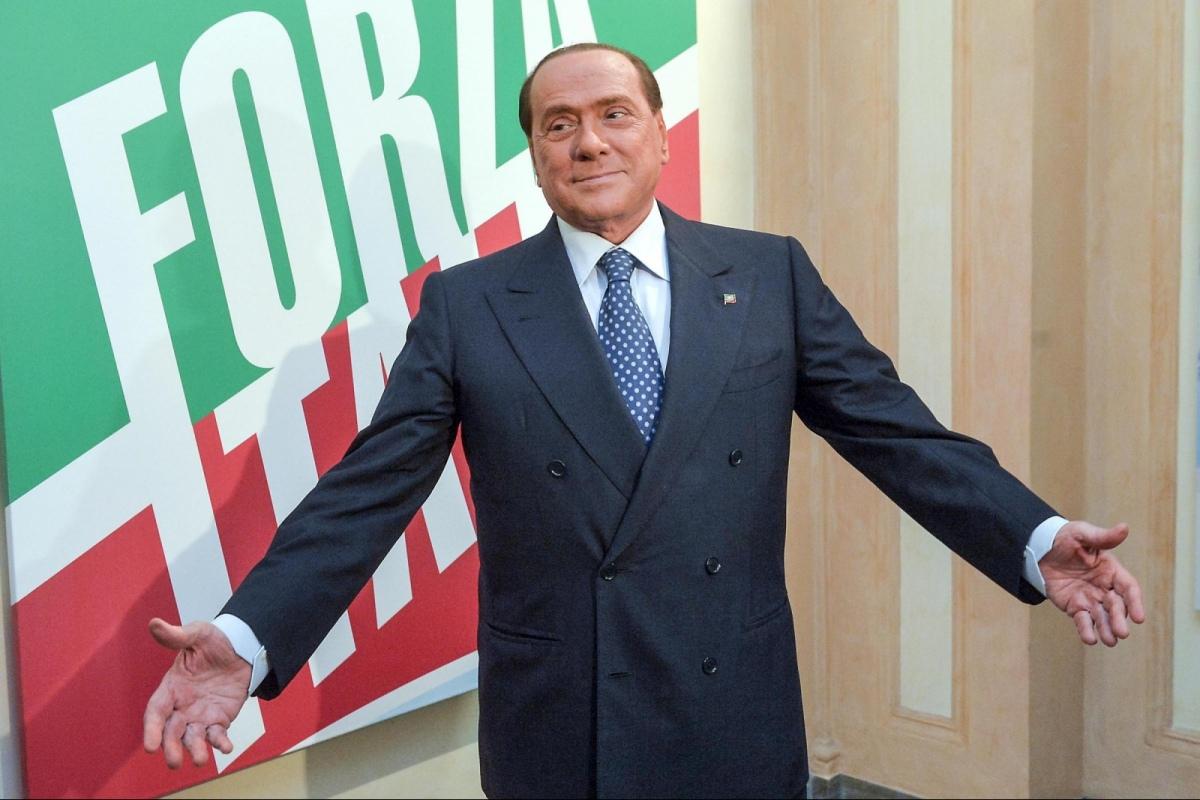 Berlusconi accelera verso Forza Italia. Oggi convocato il Congresso del Pdl