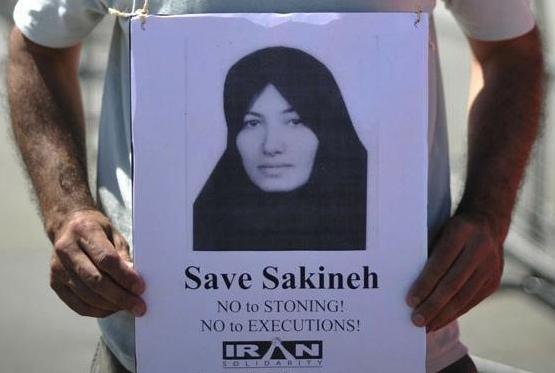 Si teme ancora per la vita di Sakineh. L'iraniana avrebbe tentato il suicidio in carcere