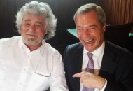 Beppe Grillo su Nigel Farage. «La pensa come noi»