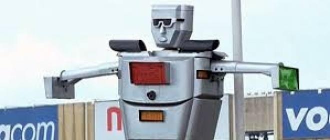 Congo. Inventato il primo robot vigile al mondo